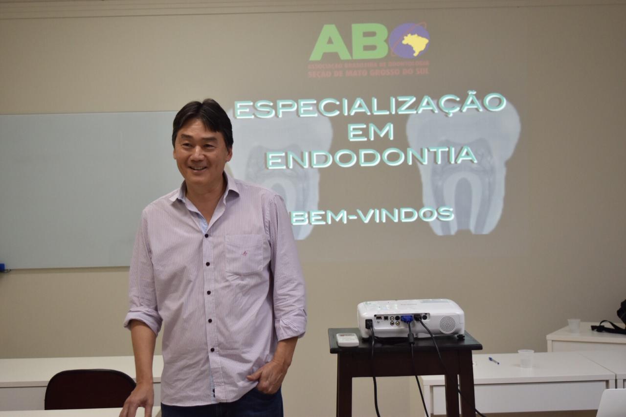 Nova turma do curso de especialização em Endodontia tem início
