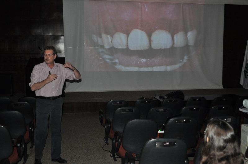 Encontro Interdisciplinar de Odontologia da UFMS atrai profissionais de outros Estados