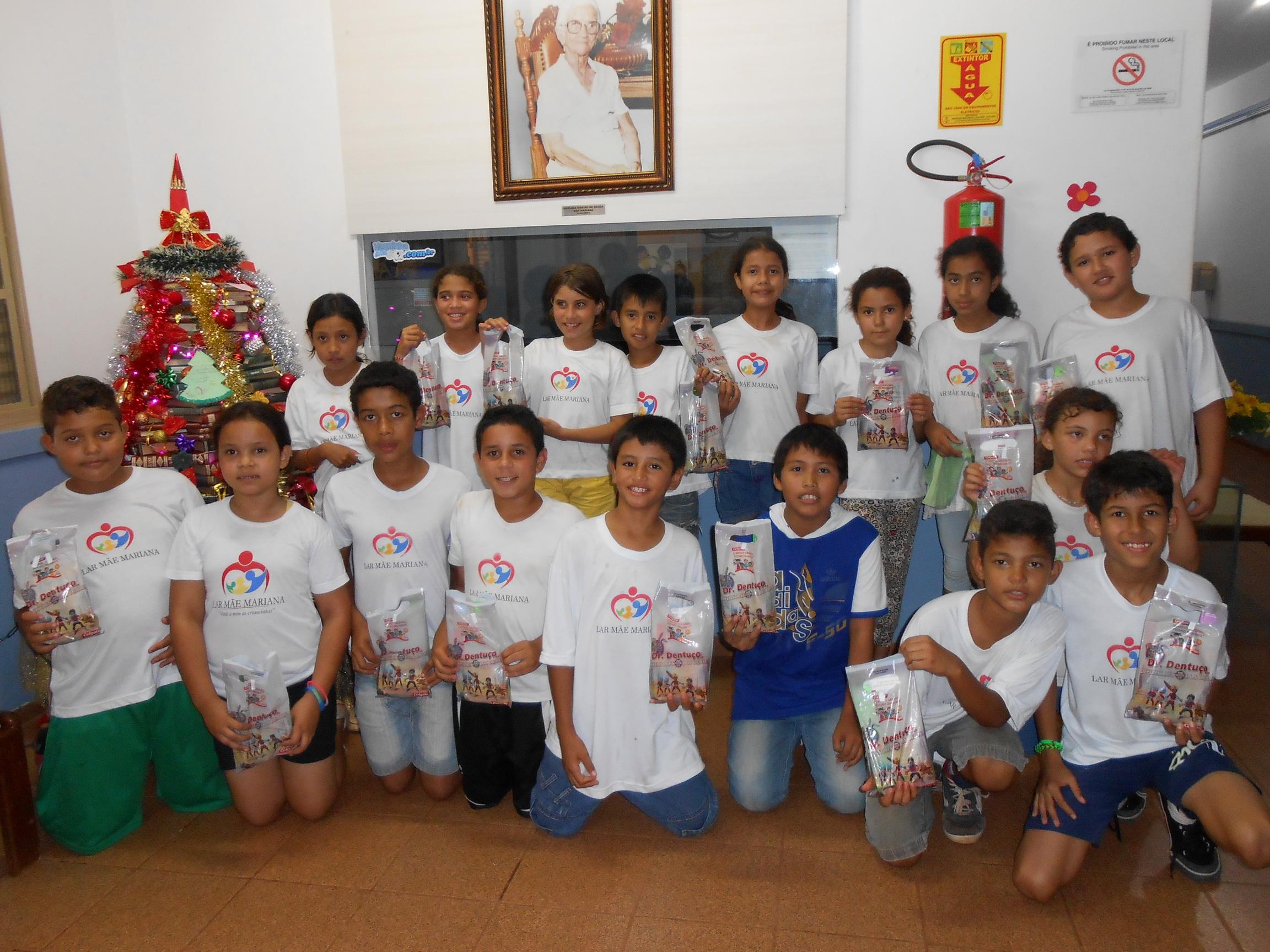 Crianças do Lar Mãe Mariana recebem doações da ABO-MS