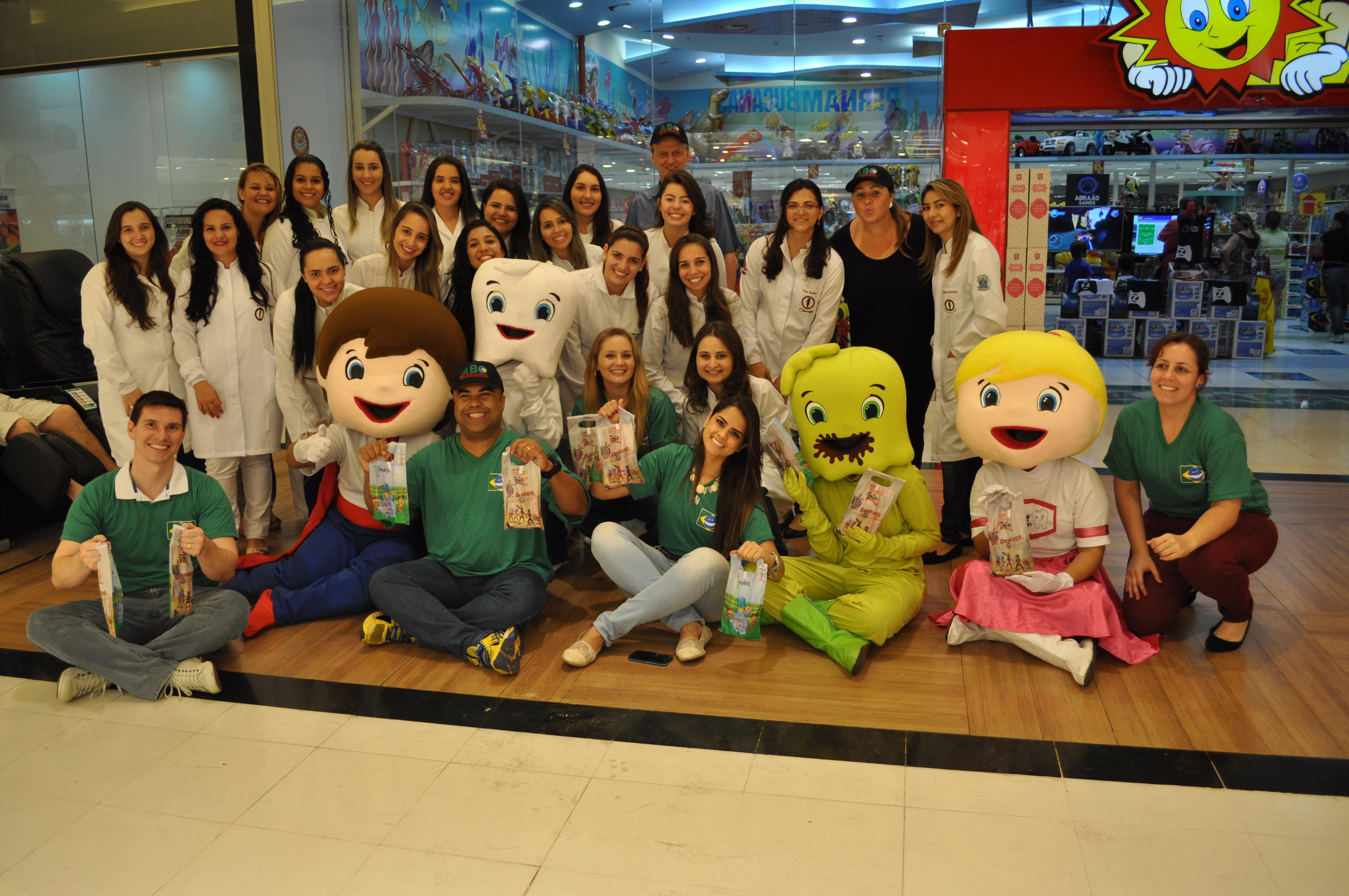 Ação de saúde bucal movimentou shopping em Campo Grande