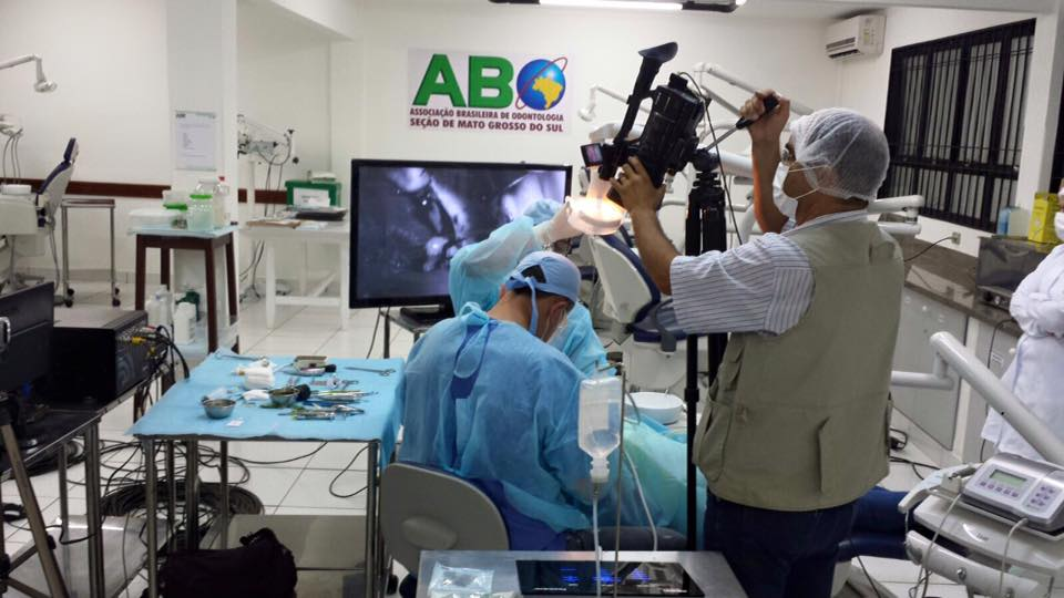 Cirurgia é transmitida ao vivo durante curso da ABO-MS