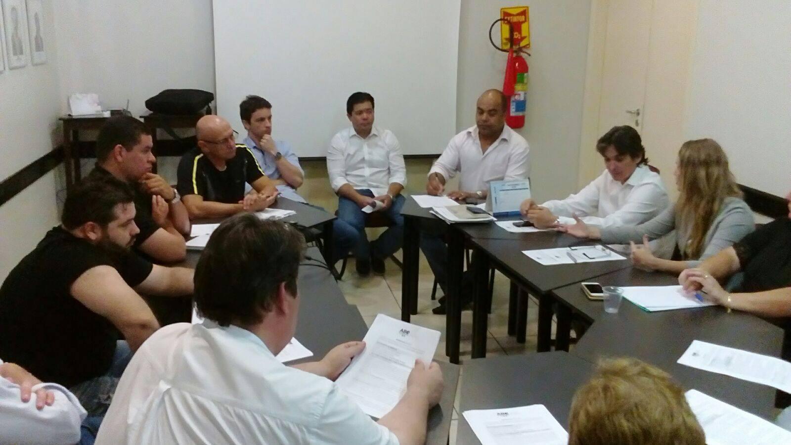 Coordenadores se reúnem para tratar sobre cursos da ABO-MS
