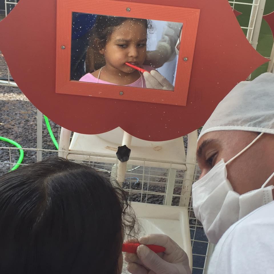 População de Aquidauana recebe atendimento odontológico durante Caravana da Saúde