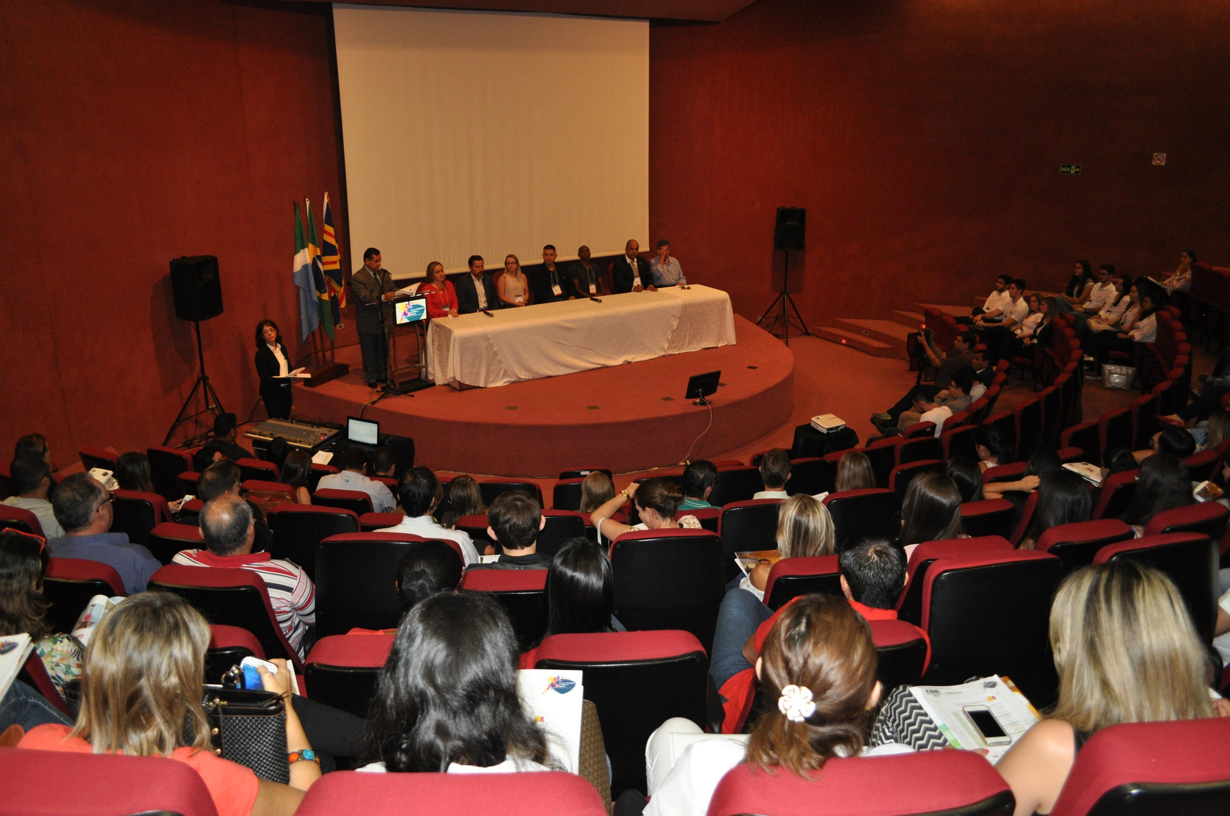 Congresso Brasileiro de Saúde no Esporte teve início nesta segunda-feira