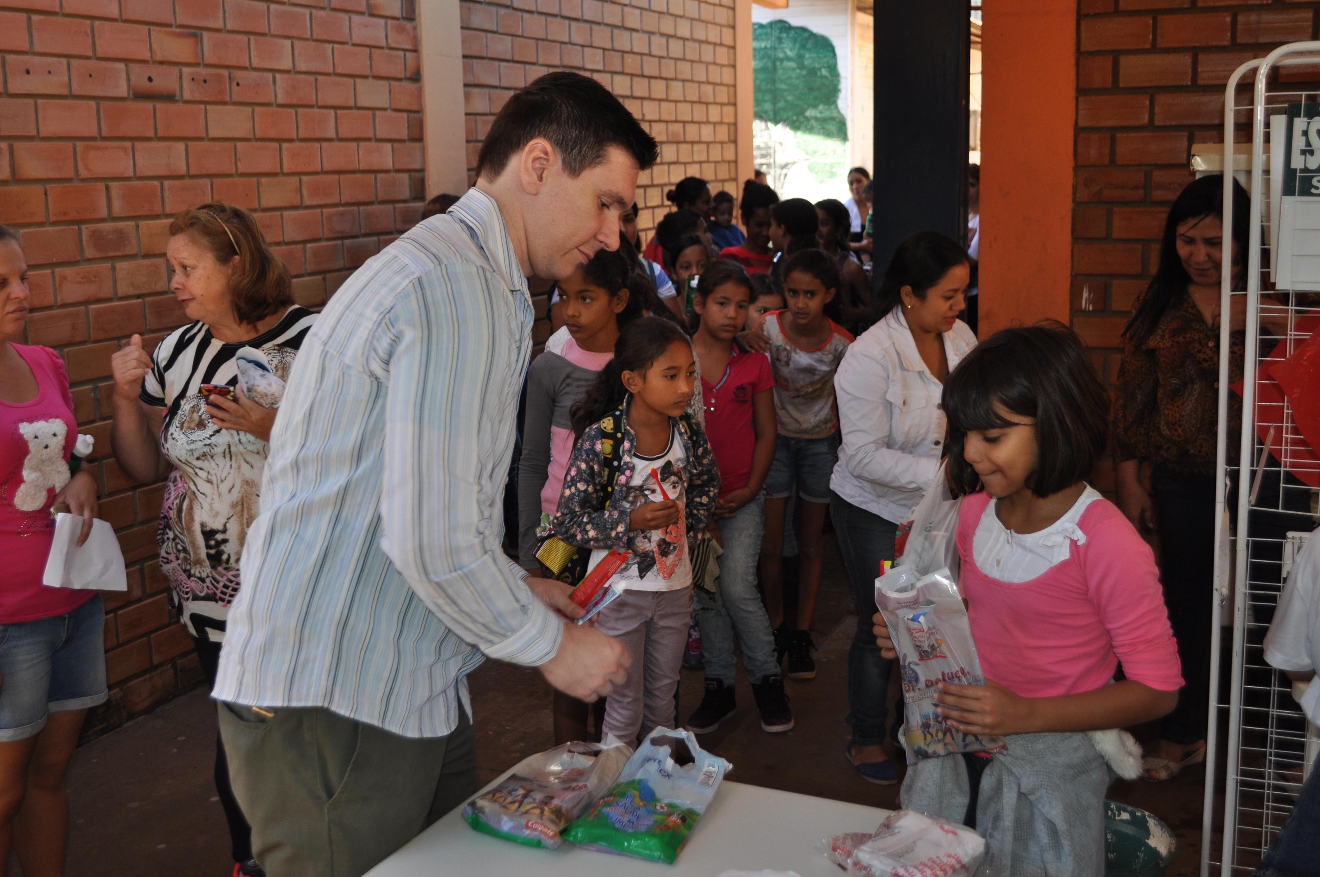 ABO-MS  participa de ação educativa da FM UCDB no bairro Nova Campo Grande